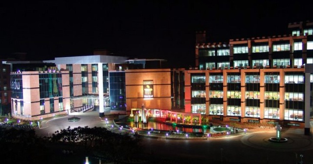 Manipal Medical College by night...