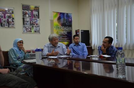 Prof Wan Asim, Ridhuwan and Dr Mujahid