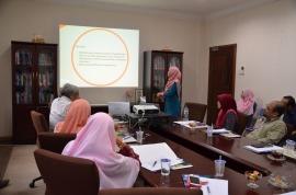 Wani giving her presentation